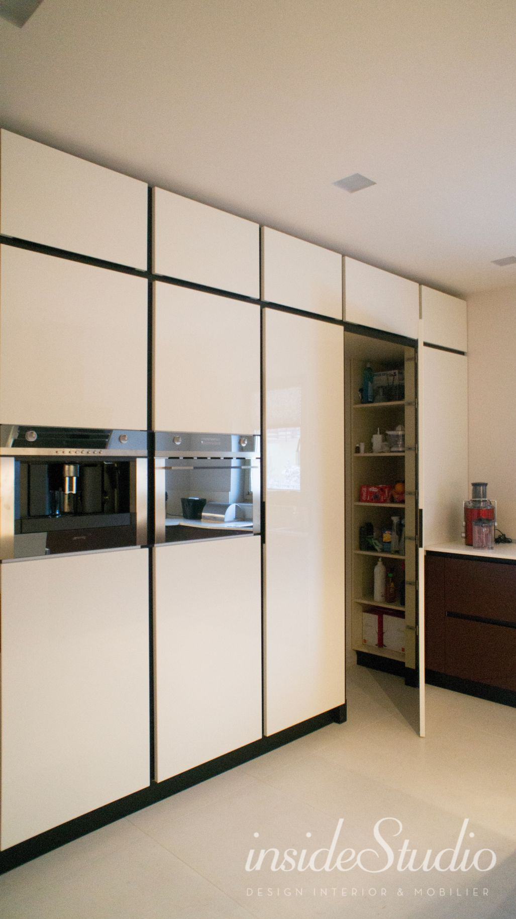 Casa moderna for Layout casas modernas